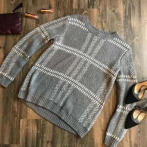 💖{M} Forever 21 Window Pane Plush Sweater